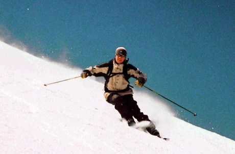 {{Information |Description=Skier carving a turn on piste |Source=Photograph taken on the Grande Motte in Val d'Isere,France |Date=March 2001 |Author=Charles J Sharp |Permission=Licenced by Charles J Sharp |other_versions= }}